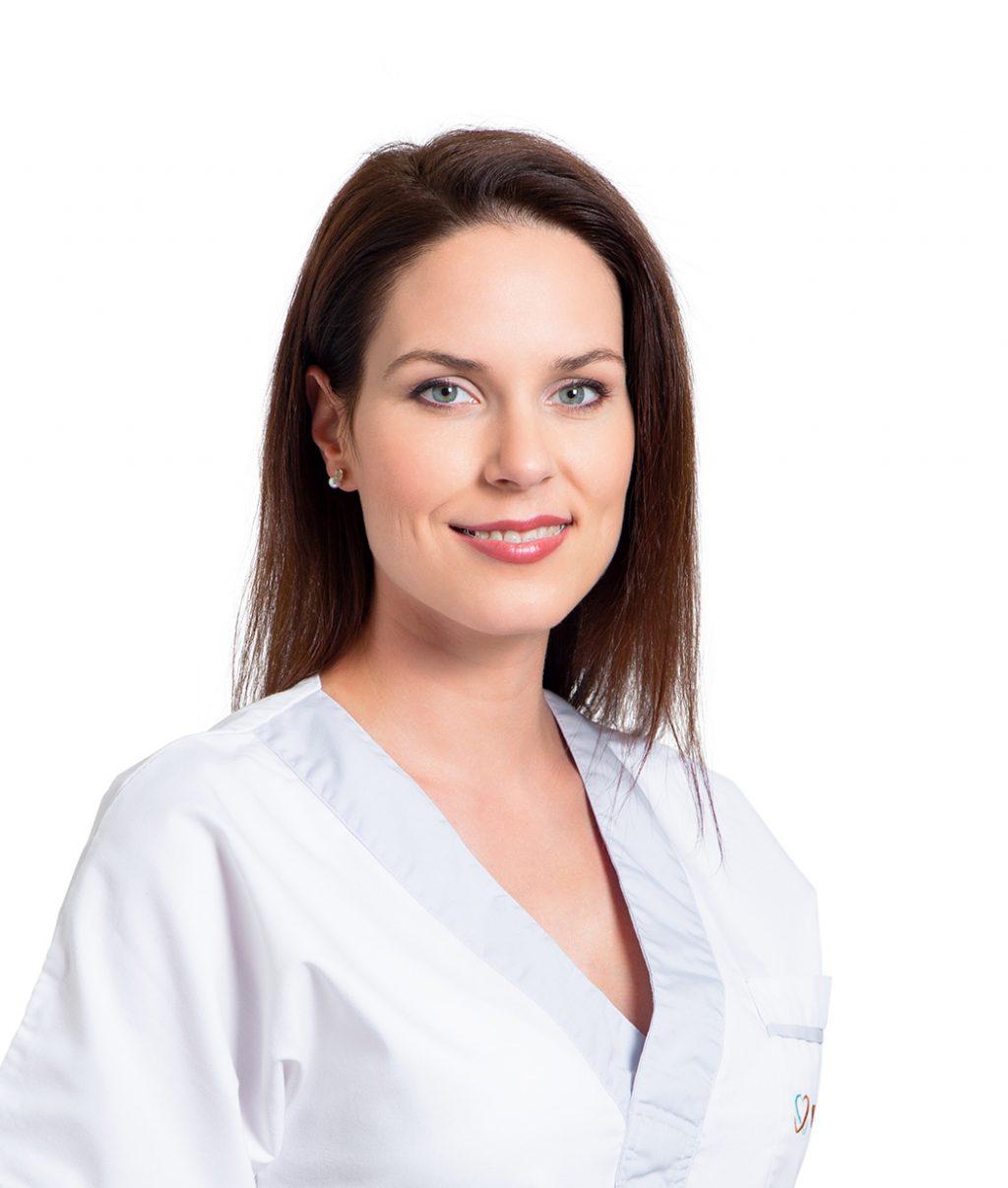 dr. Csillag Eszter